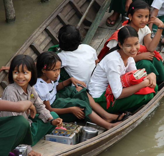students-boat-burma